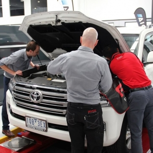 @rycofilters utilised the Auto Innovation Centre (AIC)  facilities to trial fit a prototype 4X4 Catch Can and Fuel Water Seperator Kit for the 200 Series Toyota Landcruiser.  #AIC #autoinnovation #autoindustry #ryco